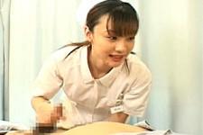 「出しちゃって大丈夫ですよ〜」美人ナースが入院患者を優しくこっそり手コキ抜き!