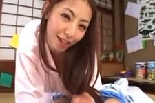 「ママがぼうやの全部舐めてあげる〜」熟女ママが息子の肉棒でハメ潮してイキまくり!