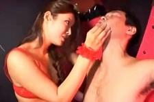 「乳首舐めてるだけでこんなになっちゃって〜イケナイ子ね〜」女王様に乳首責めされ手コキ抜きされる性奴隷M男くん!