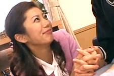 「キスした事ある?先生とキスしてみようか〜」美人教師が童貞M男くんにキスして筆おろし!乃亜