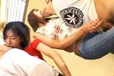 「ああ〜すっごい立ってる〜」長身お母さん達が童貞M男くんとネットリキスに手コキ責め!