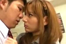 「別に勘違いしないでよね〜別にあんたなんか〜」ツンデレ美少女JKが強がりながらM男くんの上で鳴きまくり!