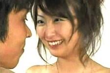 「キスはした事あるよね?」AV鑑賞していた童貞くんの前に本物AV女優の青木玲が登場して手コキ抜き!