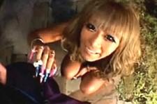 「恥ずかしい〜大きくなってる〜」恥ずかしがり屋でアニメ声の金髪黒ギャルがフェラ抜き!