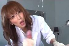 「男らしくイキなさい〜」美人女医が主観で言葉責めしながら手コキ抜きザーメン噴射!