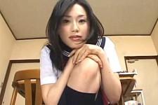 「やっぱり童貞なんだ〜」美少女JKが小さくなったM男を言葉責め!松野ゆい