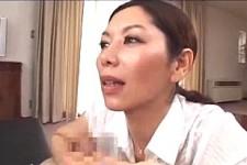 「舐められた事あるの?」肉食熟女が息子の童貞チンポをイタズラしてフェラ抜き!翔田千里